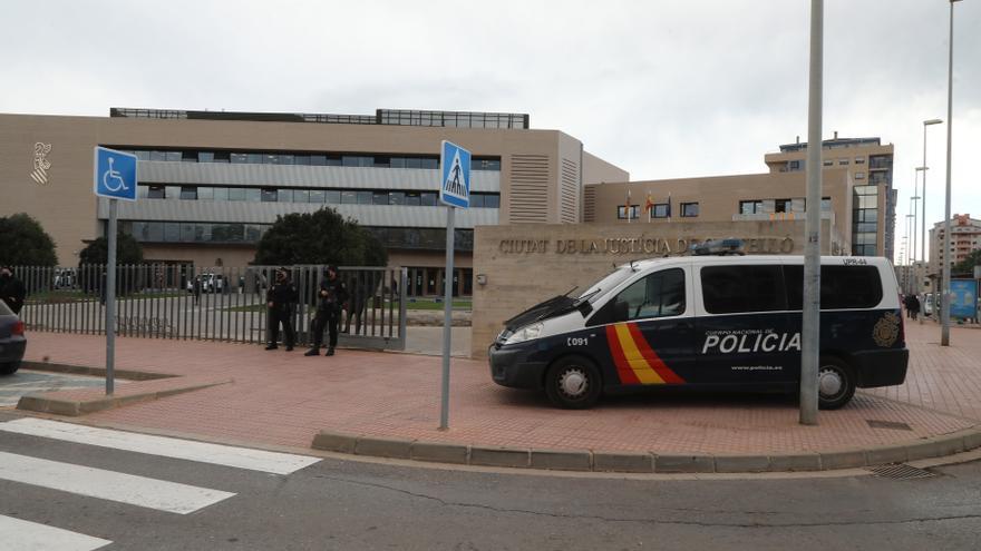 Condenado a 22 años por abusar de sus dos hijas discapacitadas en Castellón