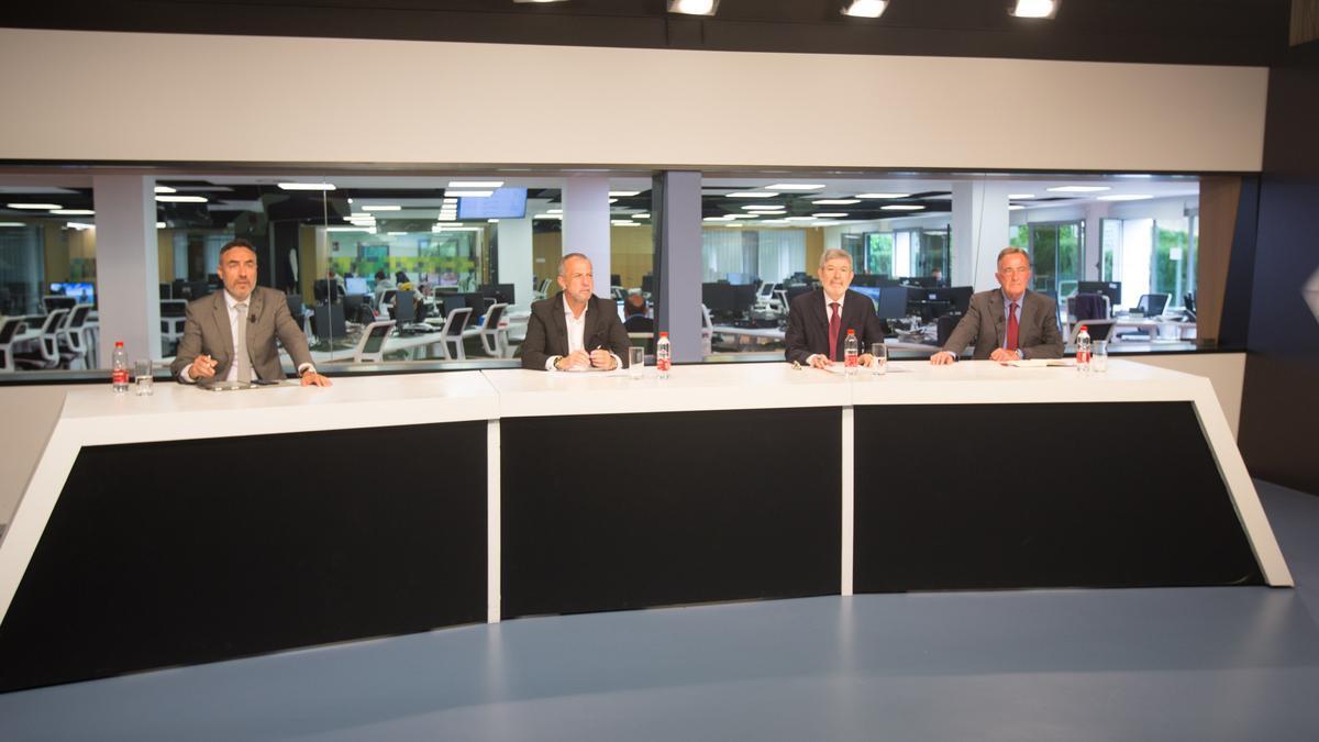 Juan Ángel Poyatos, Perfecto Palacio, Francisco Menargues y Juan Riera acudieron a INFORMACIÓN TV. Luis Serra y Blanca Montero participaron online.