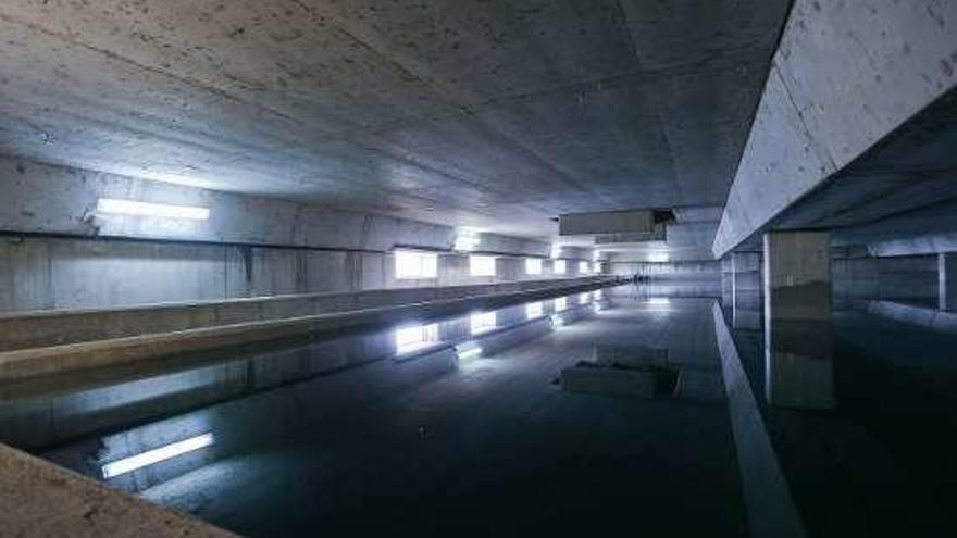 Los nuevos depósitos construidos hace 16 años, casi listos para abastecer a Oviedo