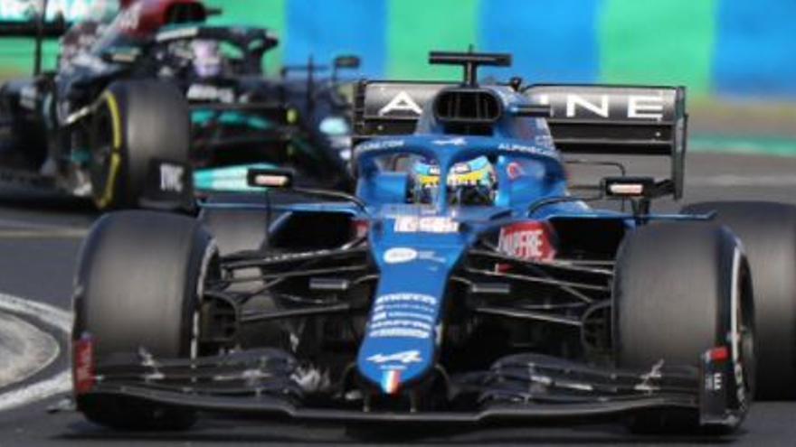 La bestial defensa de Alonso a Hamilton en Hungría