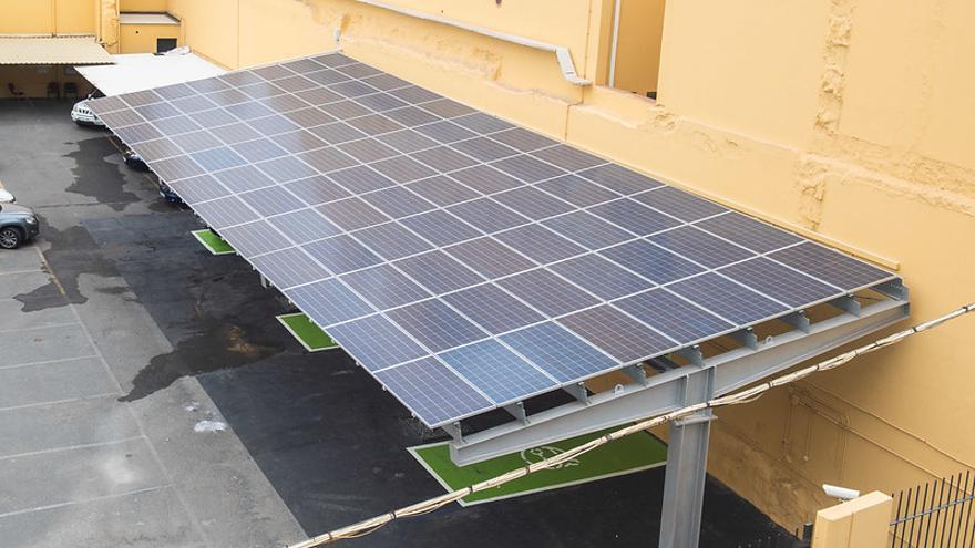 El Cabildo adjudica tres plantas fotovoltaicas en Infecar, Casa Palacio y Edificio de Cristal