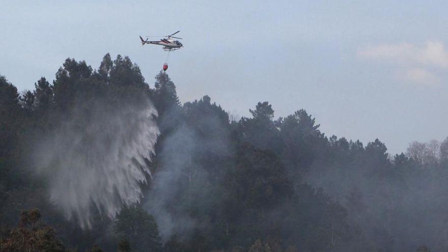 El primer incendio del verano en Lobios afecta a la Serra do Xurés