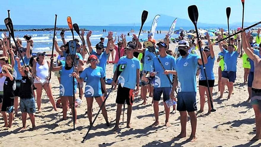 Playa de Oliva Éxito de participación y gran ambiente en la jornada de carreras de paddle surf