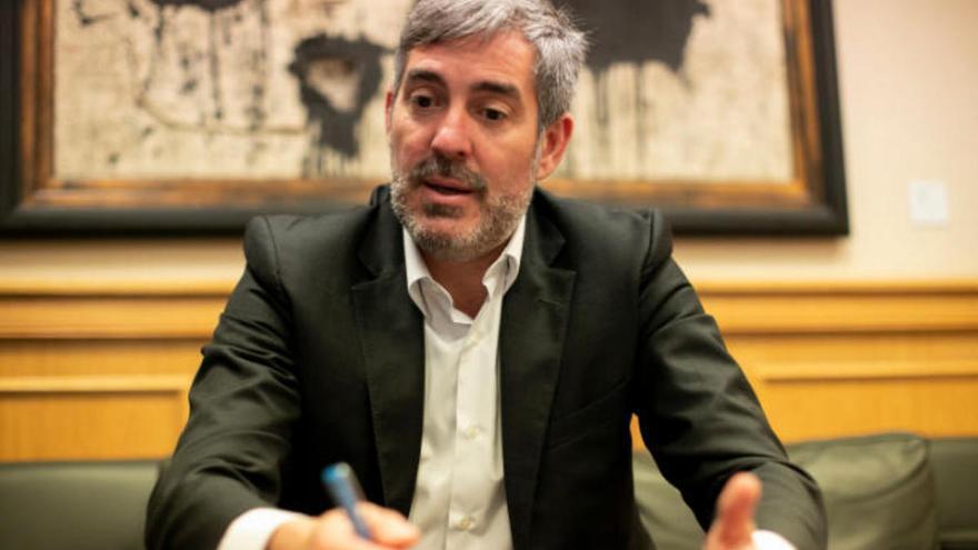 Clavijo solicita la comparecencia urgente de cinco ministros para que informen sobre la situación migratoria