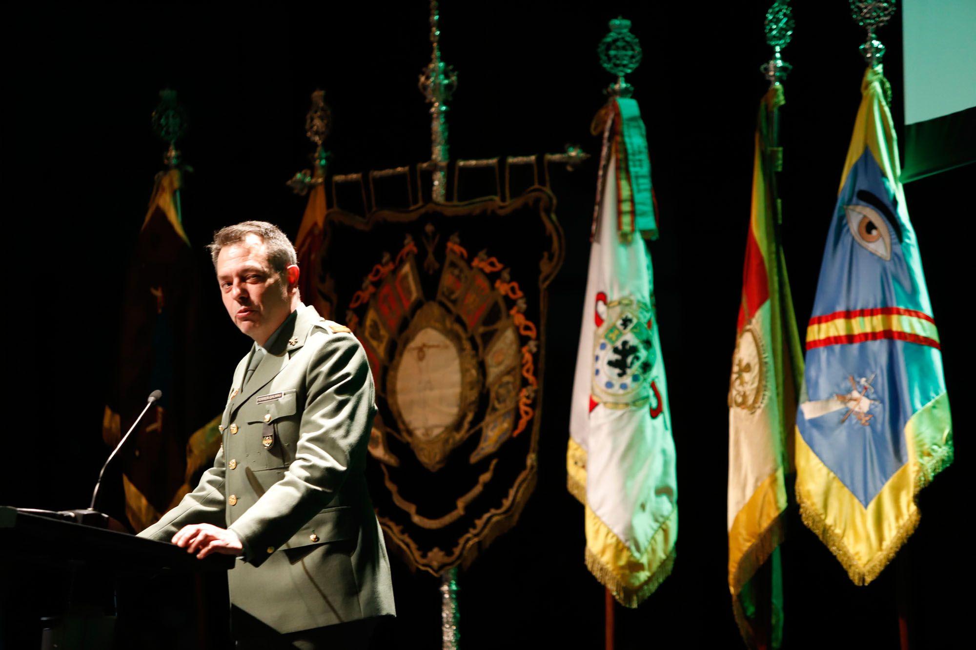 Acto de presentación del cuadro del centenario de la Legión
