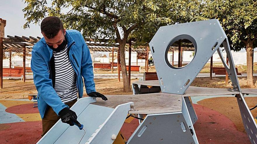 Paterna aplica nanotecnología a los parques para eliminar virus