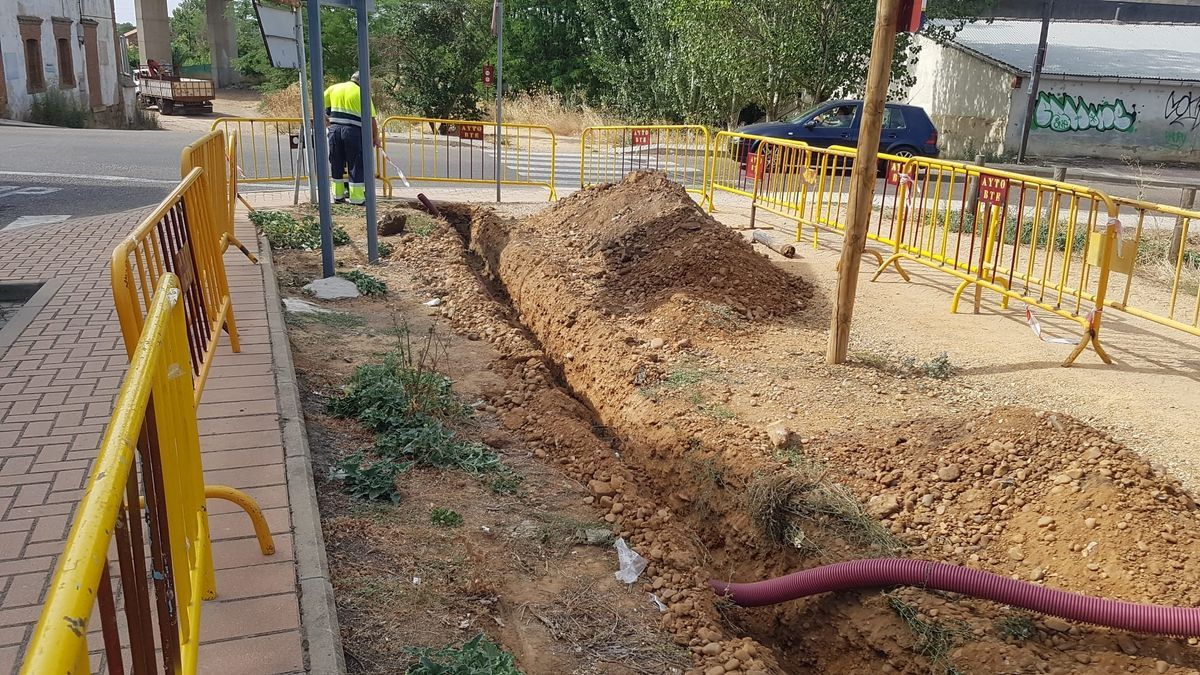 Obras de canalización de la red eléctrica.