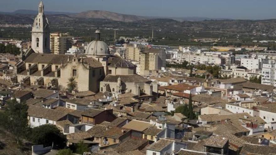 """""""Es inconcebible que un casco histórico como el de Xàtiva soporte tanto tráfico"""""""