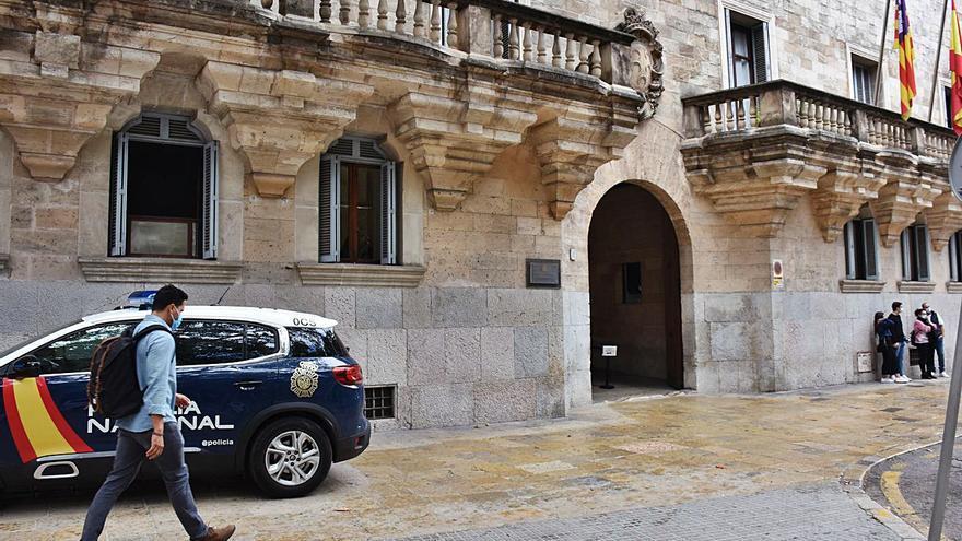 Condenado un menor de 14 años por una brutal agresión en un instituto de Palma