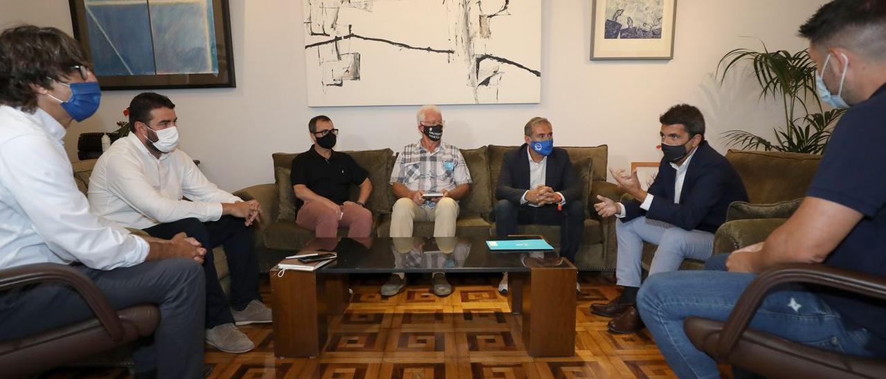 Un momento de la reunión de Mazón con los hosteleros.