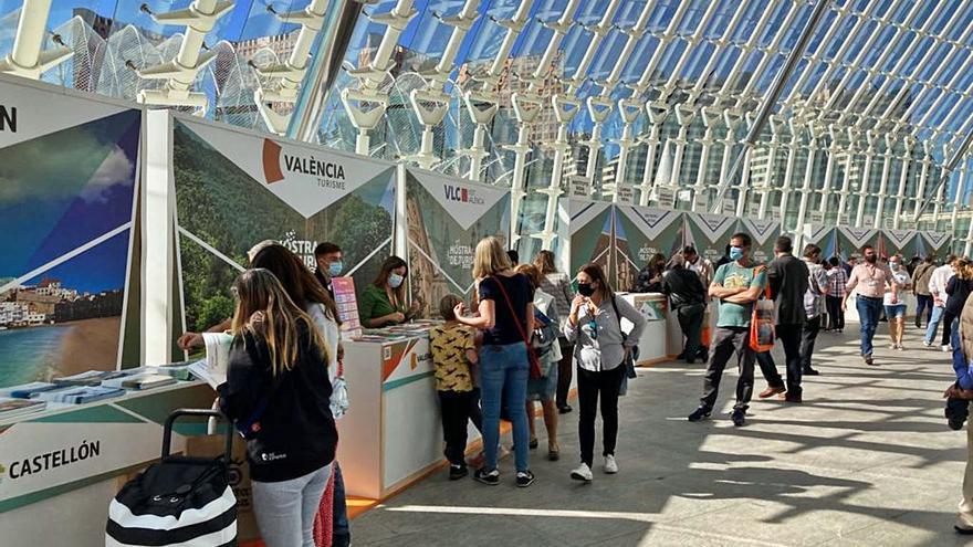 La Mostra de Turisme llena el Hemisfèric