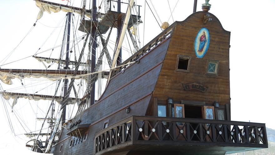 El Galeón Andalucía atraca en aguas del Puerto de Cartagena