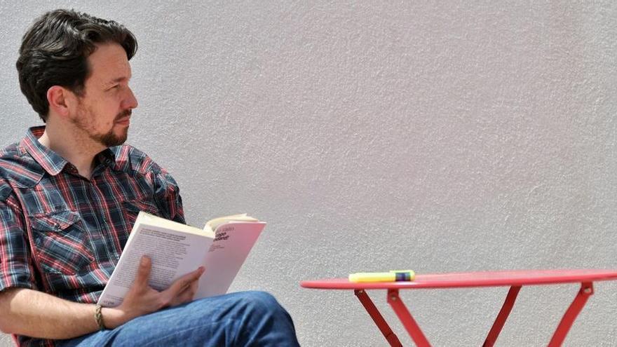 Pablo Iglesias es talla la cua