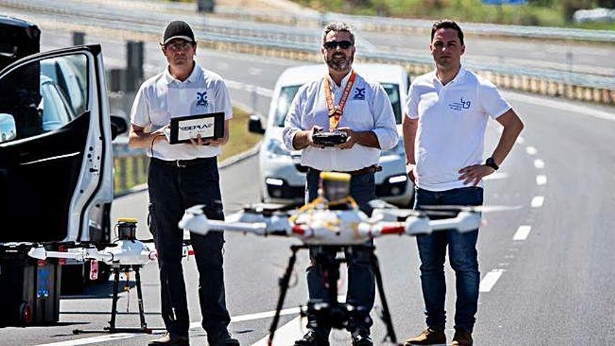 Primer vuelo comercial de un dron en el entorno aeroportuario gallego