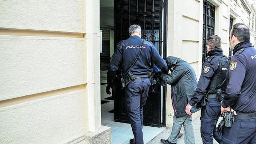 Guarido aparta a Vega del Ayuntamiento de Zamora para impedir la posible alteración de pruebas