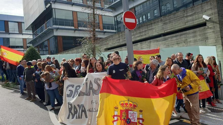"""El policía de Vigo herido en Barcelona sigue en la UCI """"recuperándose satisfactoriamente"""""""