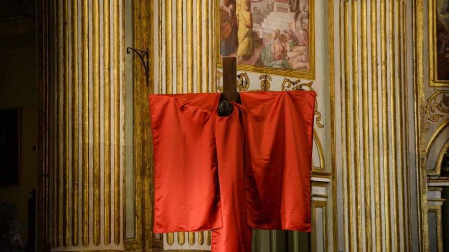 Reposición al culto del Cristo Mutilado tras su restauración