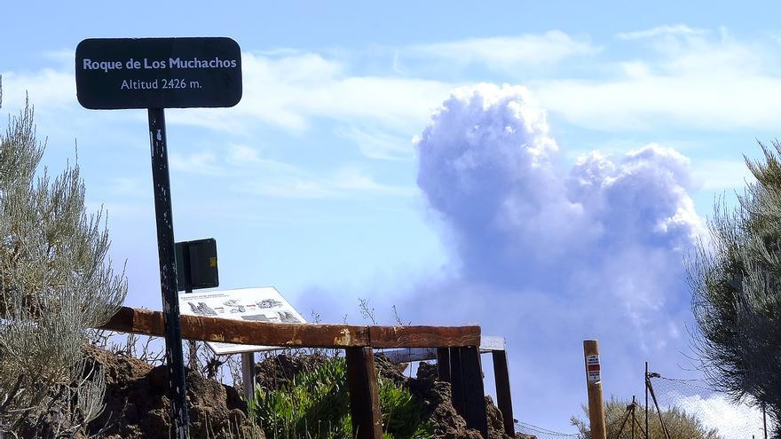 La colada norte muestra su curso destructivo a vista de dron