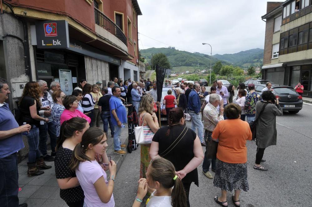 Protesta de vecinos en Figaredo