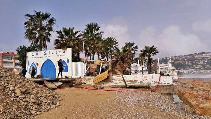 La Siesta El Local De Playa De Moda En Jávea Arrasado Precintado Y Sin Concesión