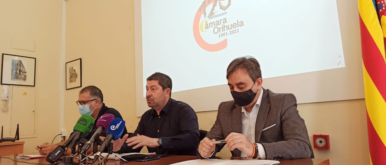 Mancebo, Martínez y Medina en la presentación del nuevo curso de la Cámara de Comercio de Orihuela