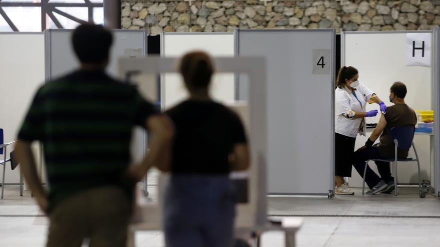 Málaga sale del riesgo alto de transmisión y registra la cifra de contagios más baja desde marzo
