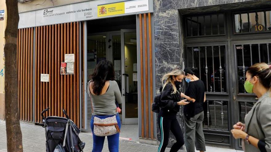 El desempleo sube un 1,36% en Castilla y León en el último año, con 1.700 parados más, hasta los 128.300