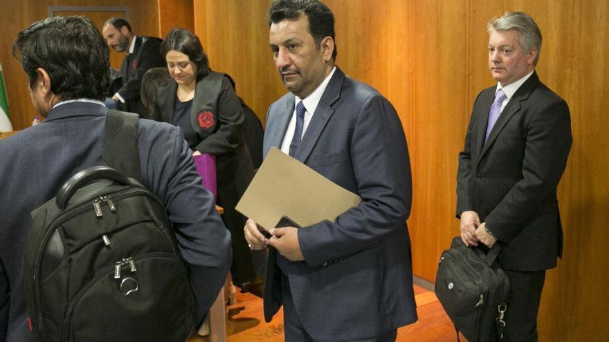Las acciones de Al-Thani serán auditadas por dos peritos