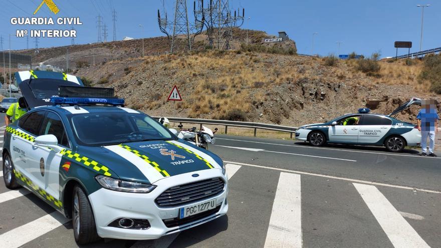 Un conductor que trasladaba a doce menores de edad da positivo en alcoholemia en Gran Canaria