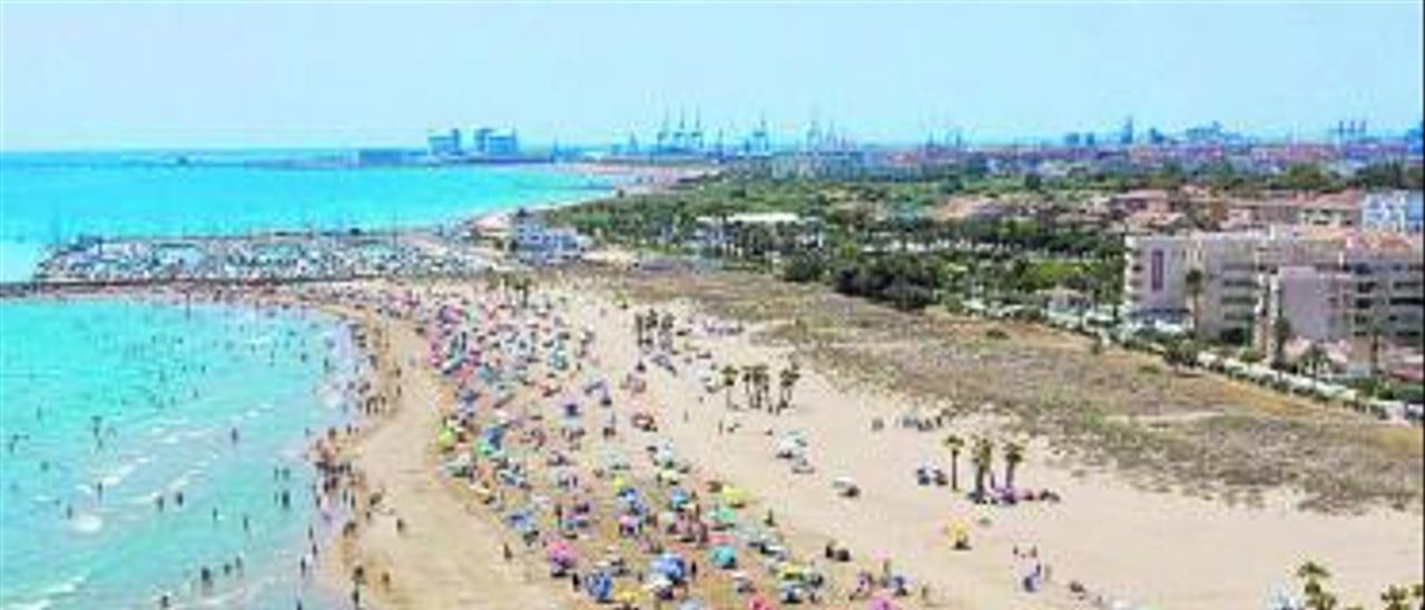 Vista aérea de la playa de Canet.