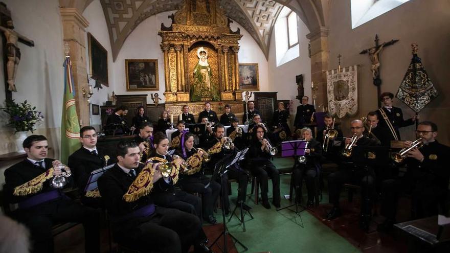 """La Banda de la Piedad sube el telón a la Cuaresma con la vuelta de """"La Milagrosa"""""""