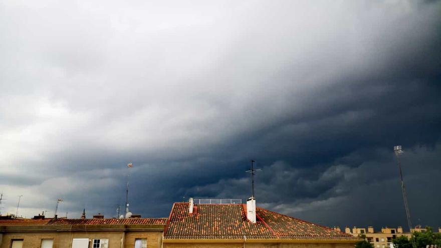 Probables chubascos y tormentas localmente fuertes para mañana en Aragón