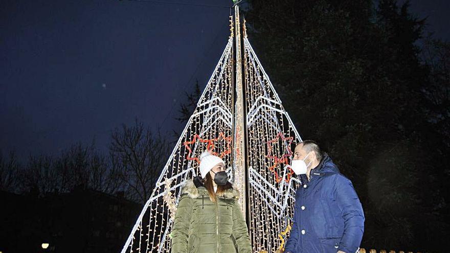 La Pola y Lugones encienden la Navidad