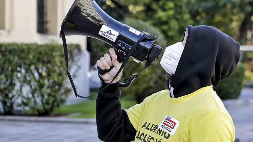 La Audiencia Nacional admite la demanda sindical contra la polémica venta de Alcoa