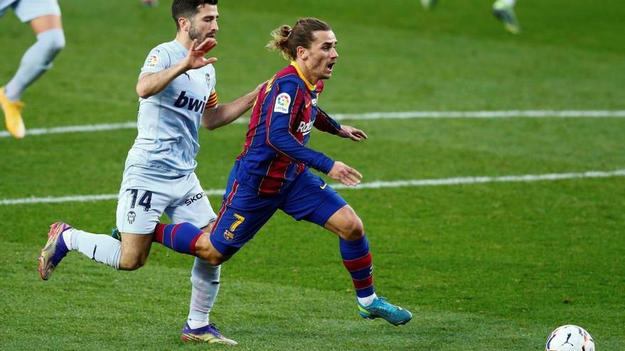 El Barça vuelve a pinchar ante un combativo Valencia