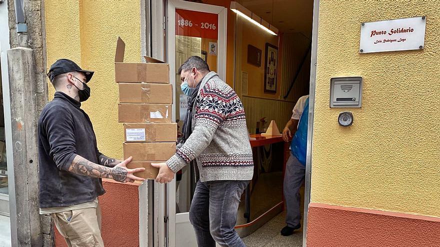 La San Silvestre entrega media tonelada de alimentos