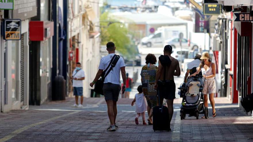 Las incidencias de covid de Ibiza casi duplican las del total de Baleares