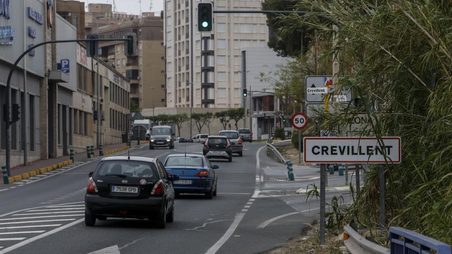 Crevillent suspende todas las actividades municipales por la escalada de casos de covid