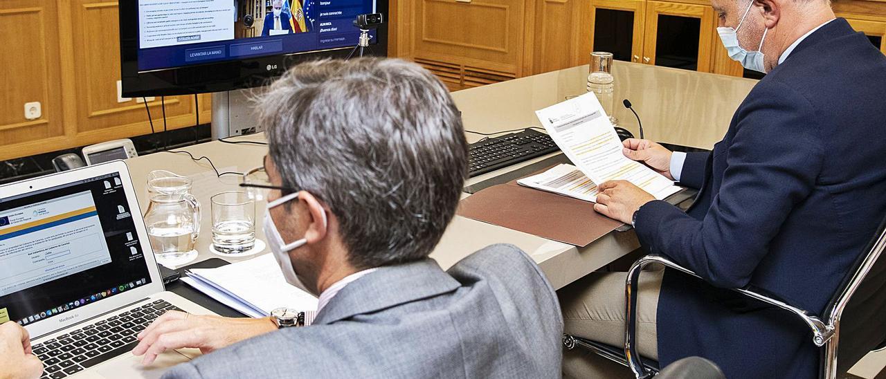 El presidente canario, Ángel Víctor Torres, ayer durante la celebración de la reunión telemática.