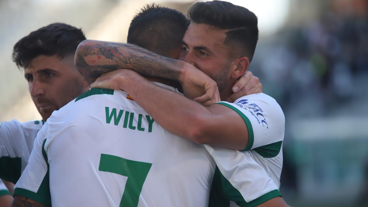 Los jugadores celebran el gol del Córdoba CF.jpeg