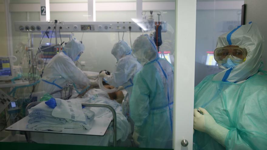 El área sanitaria de Pontevedra bate su récord de casos activos de Covid y aumenta la presión hospitalaria