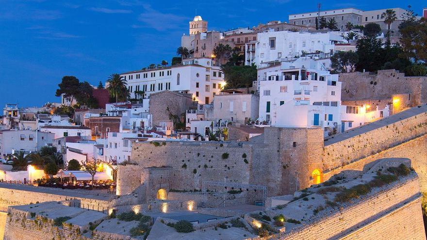 Los residentes en Balears que visiten Eivissa podrán solicitar bonos de 22 euros