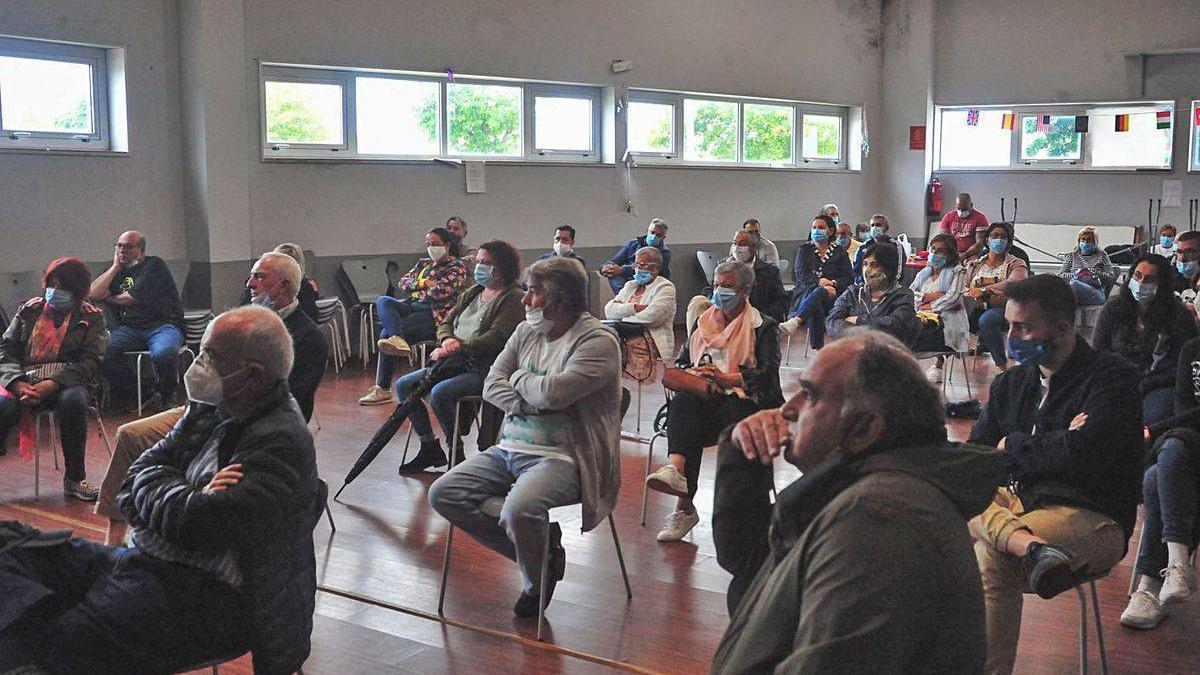La asamblea de vecinos de Vilaxoán, una de las más participativas.