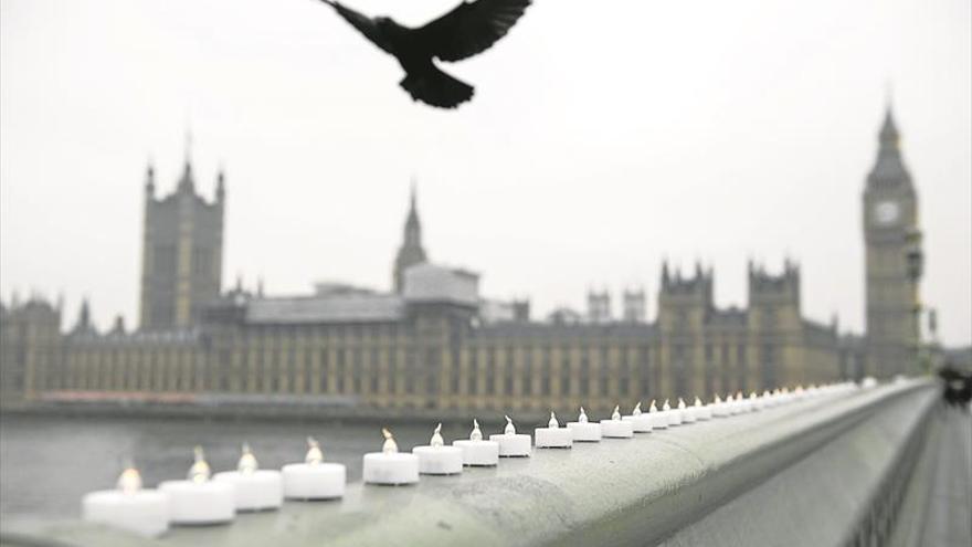 Inglaterra sigue en alerta al año del ataque del puente de Londres