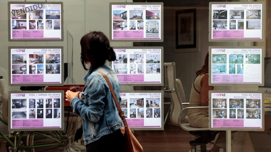 La firma de hipotecas sobre viviendas sube un 36,8% en julio y suma cinco meses de ascensos