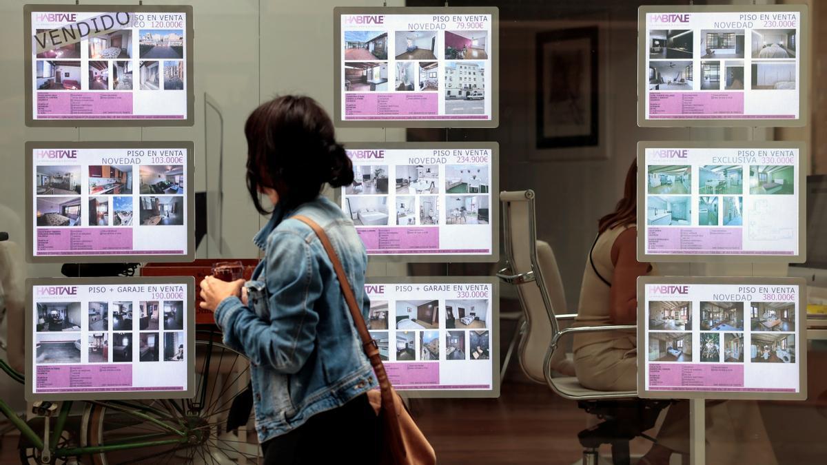 La firma de hipotecas sobre viviendas sube un 36,8% en julio y suma cinco meses de ascensos.