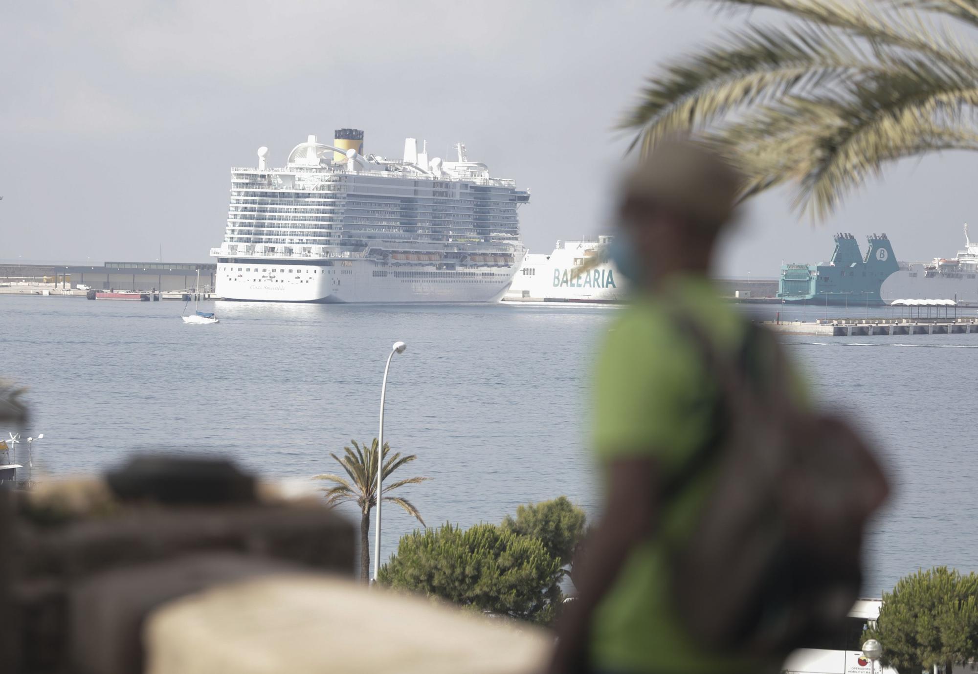 El 'Costa Smeralda' llega a Palma