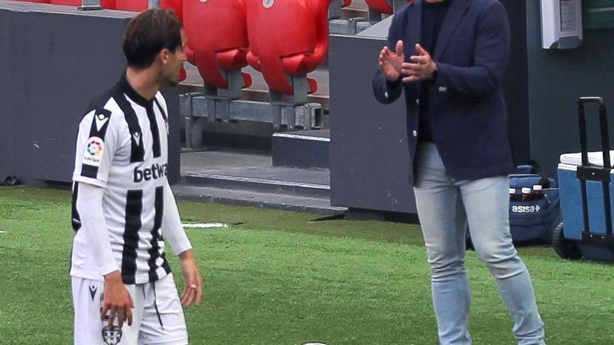"""Paco López: """"No ha sido el Levante reconocible de las primeras jornadas"""""""