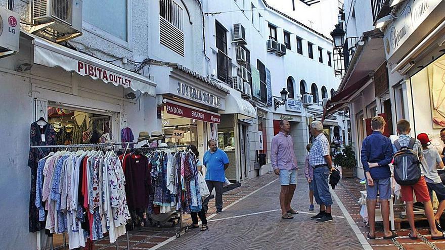 El turismo nacional anima un estío «positivo» para el comercio de Marbella