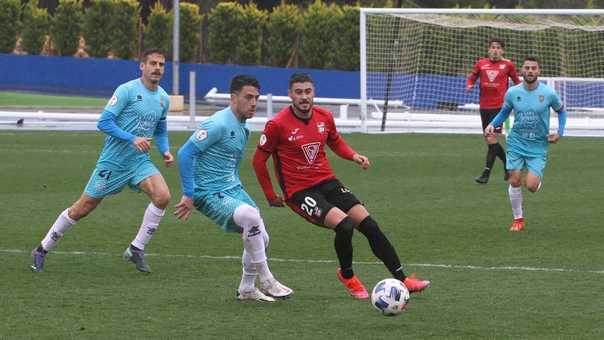 Mariano Sanz da tres puntos vitales a La Nucía (1-0)